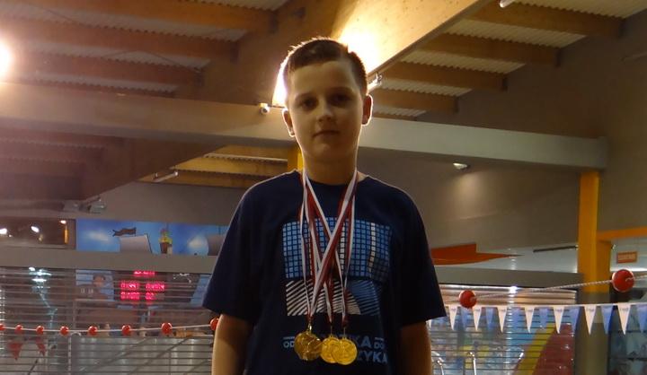 Cztery złote medale Macieja Nieczyporuka na Ogólnopolskich Mistrzostwach Radomia w Pływaniu 2017