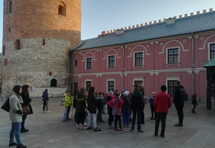 Klasy 4d i 5a na wycieczkę w Lublinie
