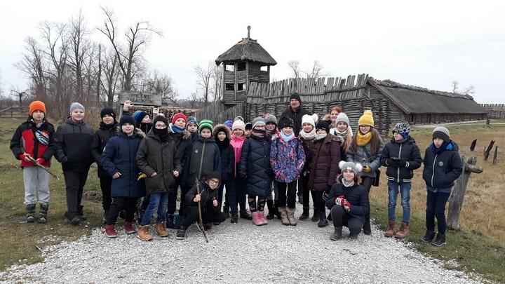 Klasa 4f na dwudniowej  wycieczce do Torunia i Biskupina